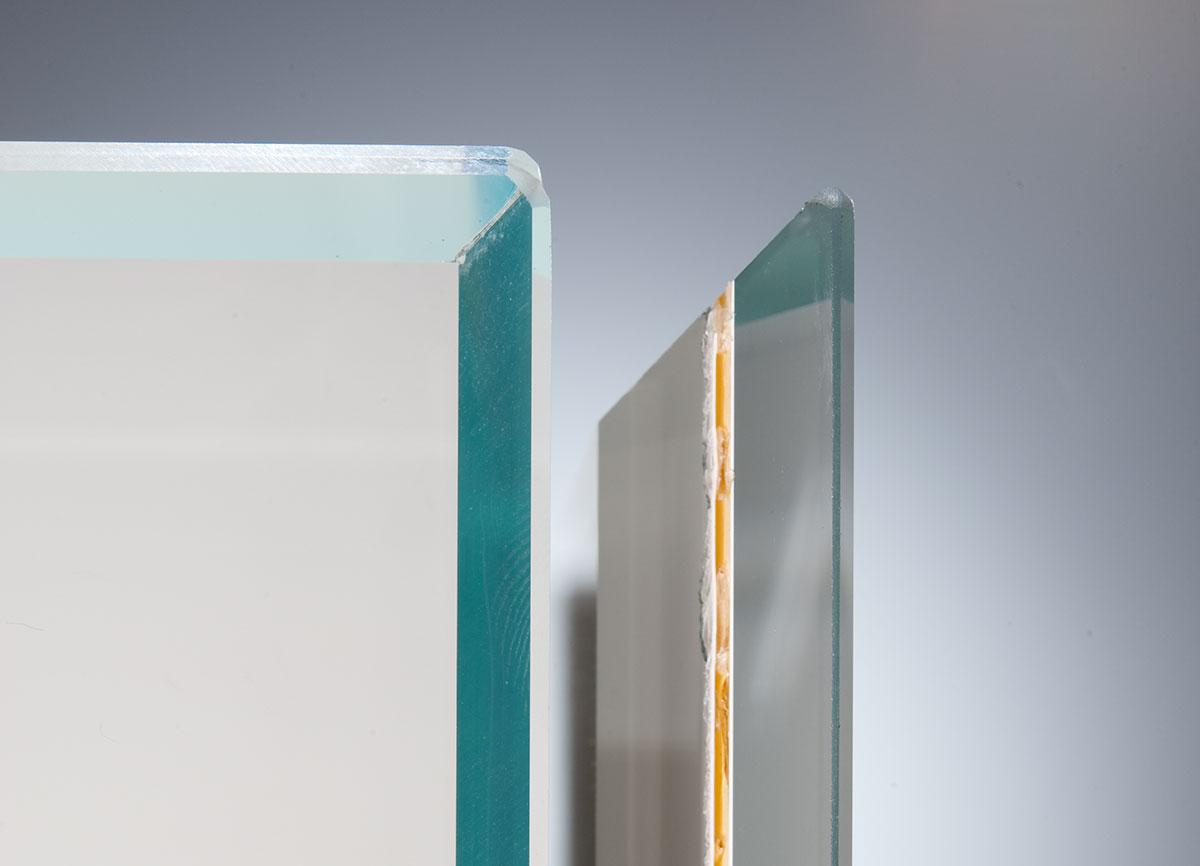 glas auf holz kleben glas mit lackiertes holz kleben spielfiguren auf bilderrahmen plexiglas. Black Bedroom Furniture Sets. Home Design Ideas